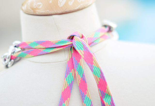 Sporty neon chain necklace diy