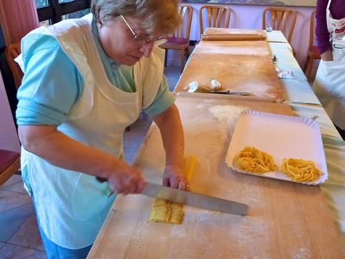 Making tagliatelli