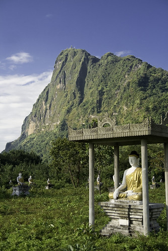 pagoda burma stupa karen myanmar paya paan kayin birmania estupa thanlwin lumbinigarden hpaan zwegabin kyaikkalat salouén kyautkalatt