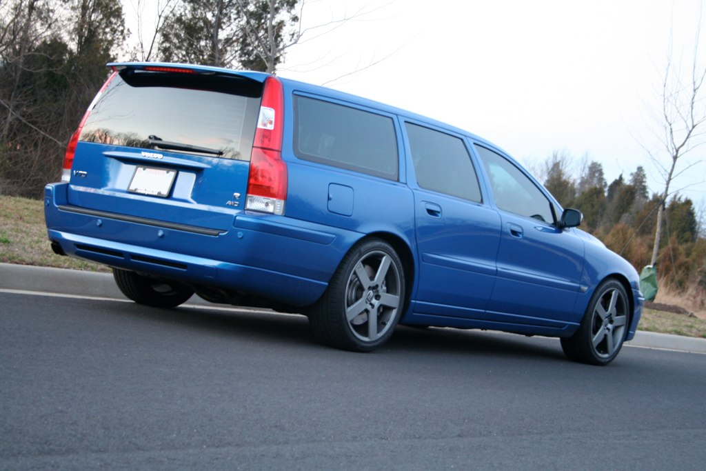 My '06 V70R with TME springs: