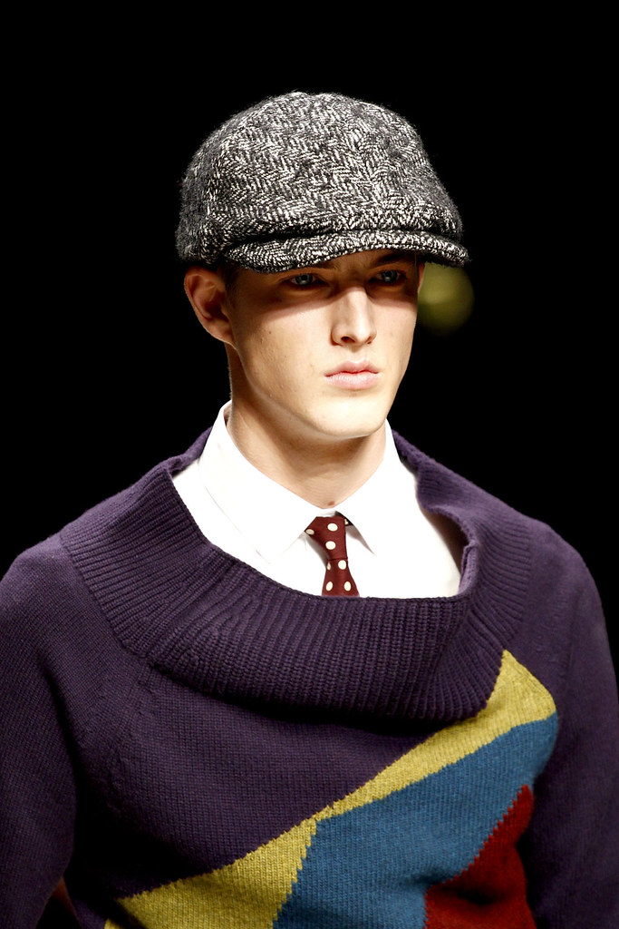 James Smith3538_FW12 Milan Burberry Prorsum(VOGUE)