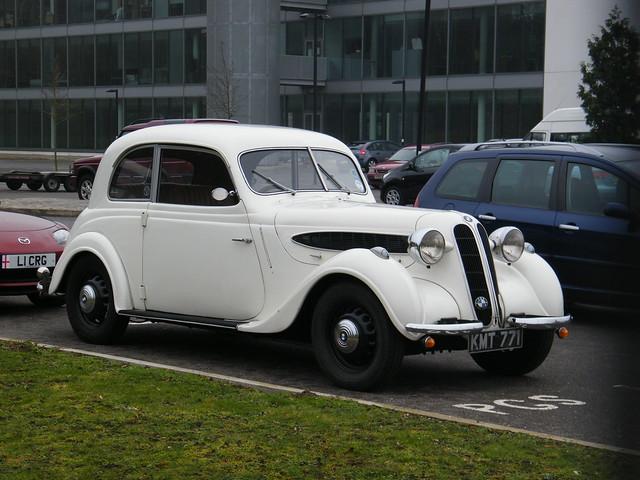 1939 BMW 321 2-door Saloon