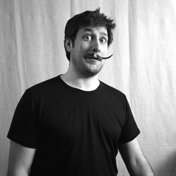 > moustache:(n.f) Poils qui recouvrent la lèvre supérieure. 6803026955_8aae8d06ac_o