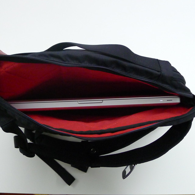 Laptop/Side Compartment To Hold 15