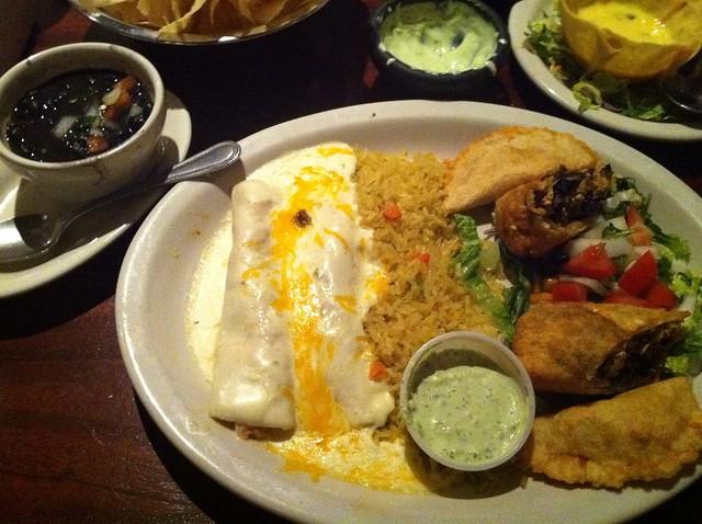 Plato Mariachi Enchiladas At Gringo S Mexican Kitchen
