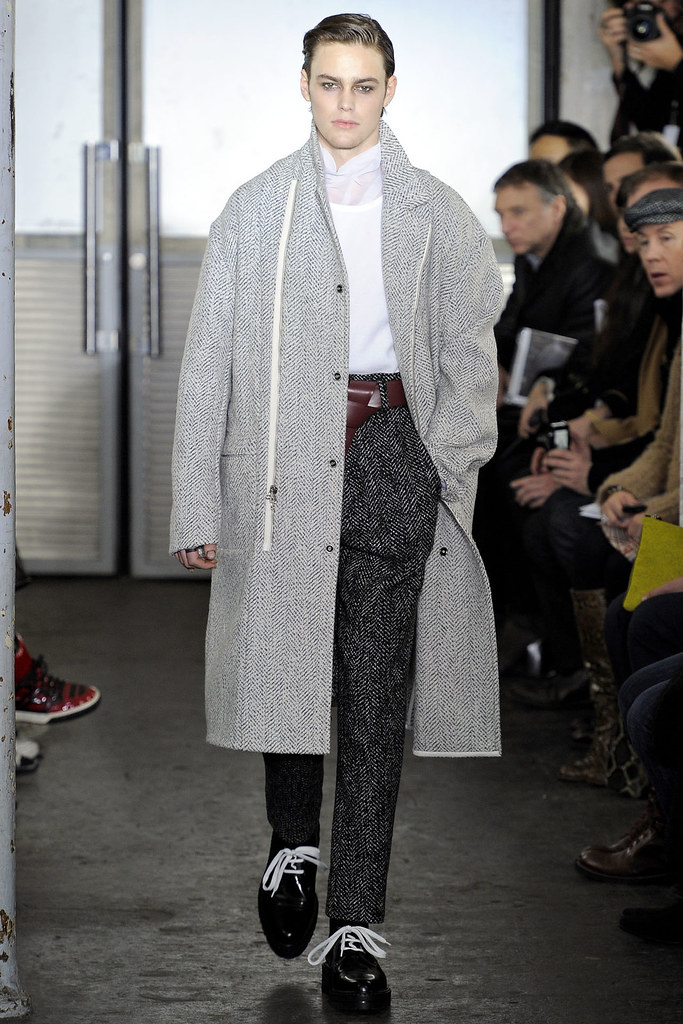Jacob Young3057_FW12 Paris 3.1 Phillip Lim(VOGUE)