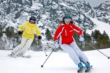 Esquiadoras en Vallnord