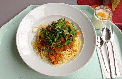 Spaghetti mit Balsamico-Linsen & Ruccola / Spaghetti with balsamico lentils & ruccola
