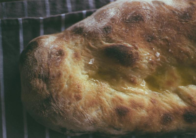 wood ovenbaked bread2