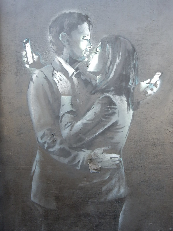 Banksy 'Mobile Phone Lovers'