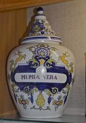 Mumia Vera jar