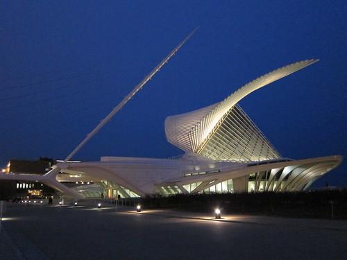 Quadracci Pavilion, Milwaukee Art Museum by rwchicago