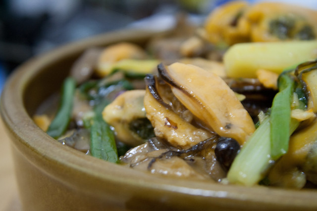 Shelled Mussels with Ginger and Spring Onions in Oyster Sauce
