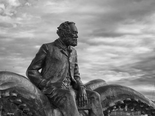 Jules Verne Statue