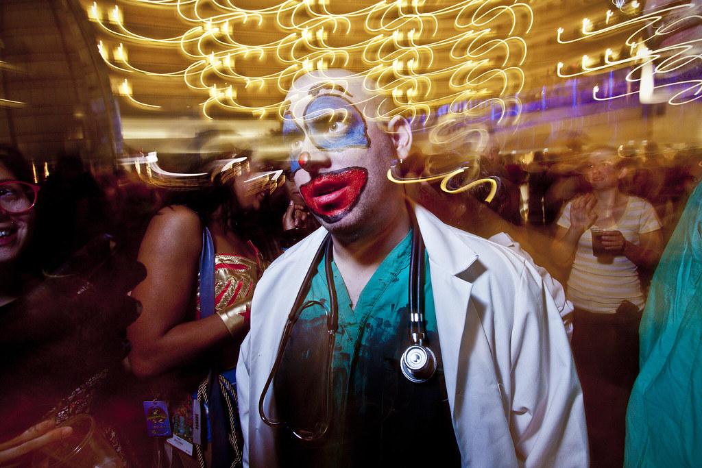 8 Hilarious Medical Pranks and Jokes