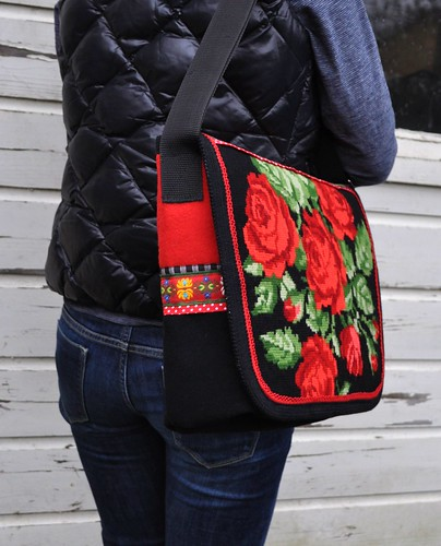 Red rose messengerbag