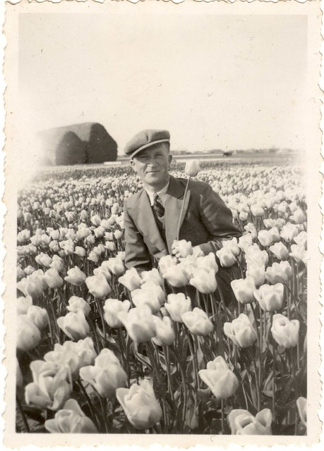 Tiptoe Through The Tulips Gyaru Makeup Tutorial: Tiptoe Through The Tulips ♫ (1939)