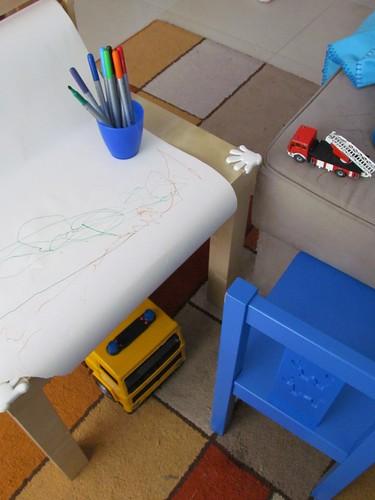 Desenhos, carrinhos e pistas