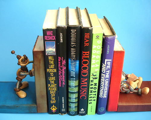 Robot Bookends by HerArtSheLoves