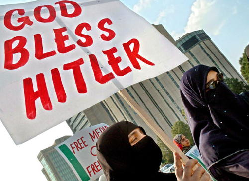 Muslims-God-Bless-Hitler