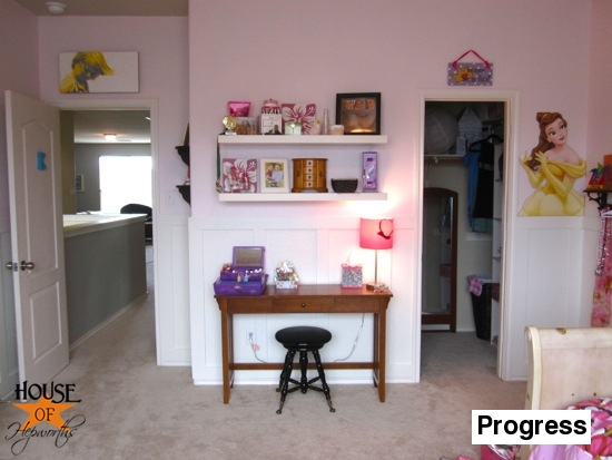 Kinsey_Room_floating_shelves_12