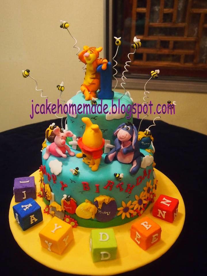 Winnie The Pooh Theme Birthday Cake A Photo On Flickriver