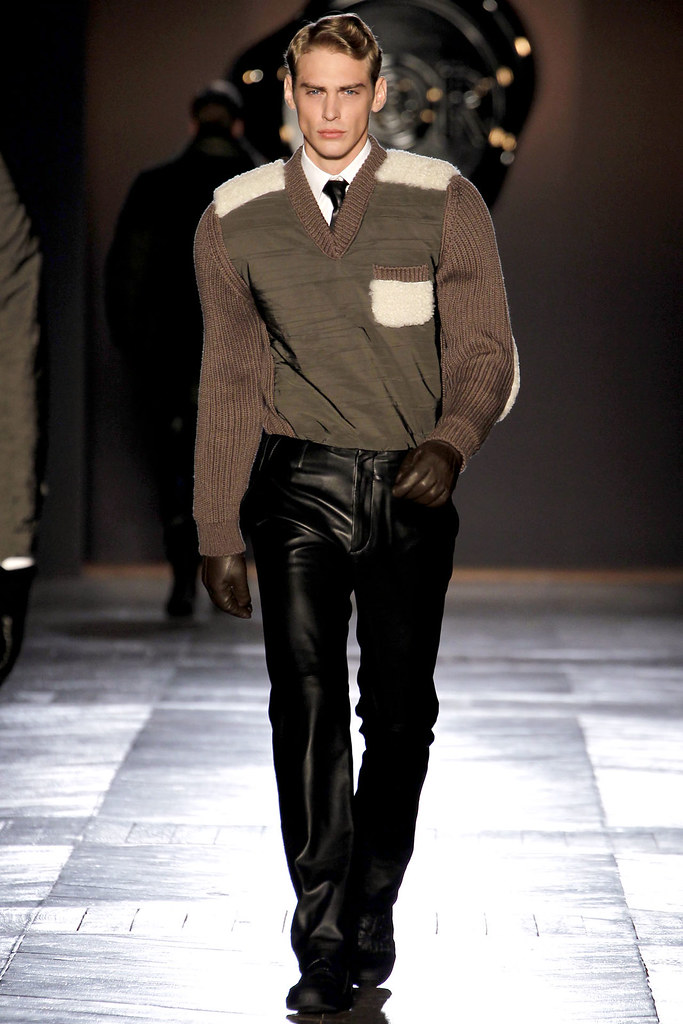 FW12 Paris Viktor & Rolf007_Jeremy Dufour(VOGUE)