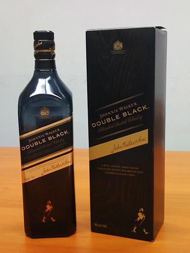 Johnnie Walker Black label это флагманский бренд, который очень легко узнать по запаху дыма