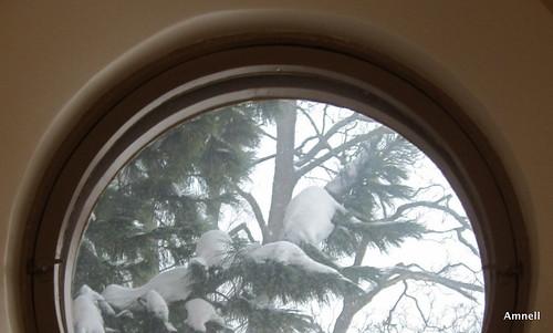 Pyöreä ikkuna by Anna Amnell