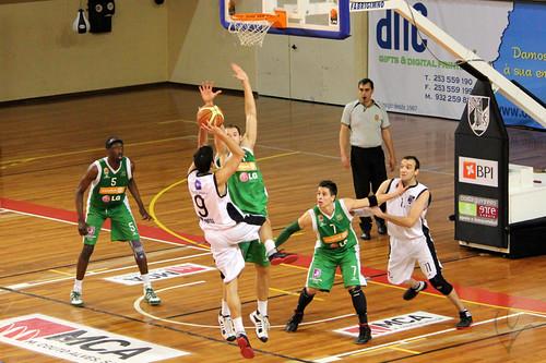 Basquetebol: Vitória 50-61 Lusitânia