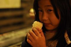20120117-yoyo吃溫泉蛋-1