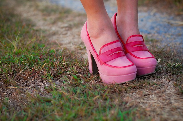 Pink Heeled Loafers Shoes, denise katipunera, pinay filipina fashion blogger, mommy style, style on a budget, blue lace dress