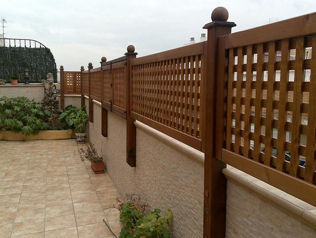Celos as de madera la instalaci n de celos as de madera for Celosia de madera para jardin