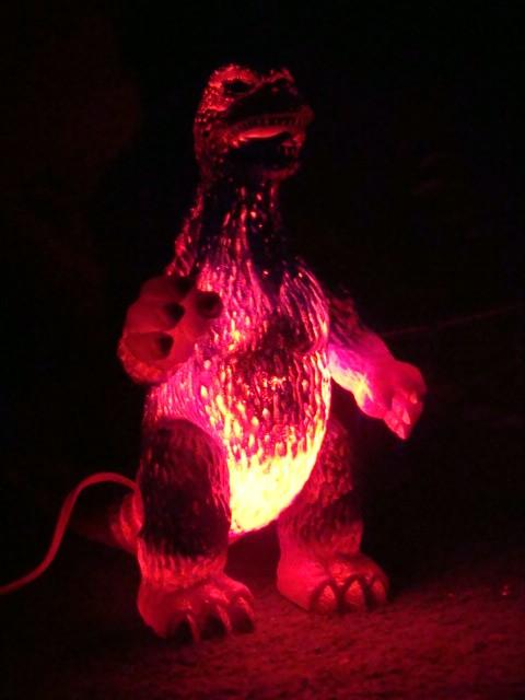 godzilla_lamp2
