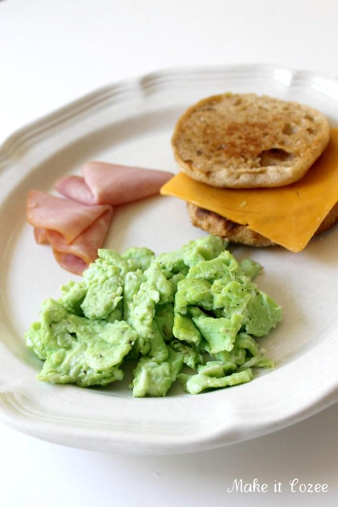 Make it Cozee: Green Eggs and Ham Breakfast