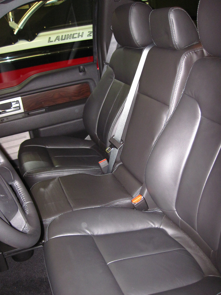 Any Lariat Owners With The 40 20 40 Front Bench Ford