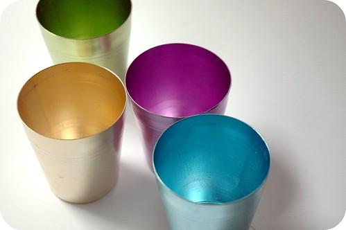 Vintage picnic cups