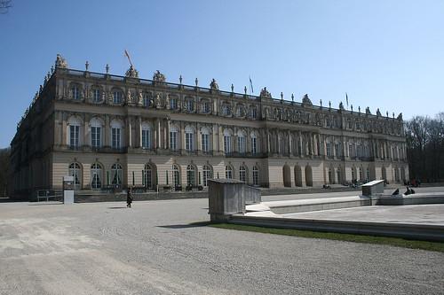 Erster Blick auf Schloss Herrenchiemsee