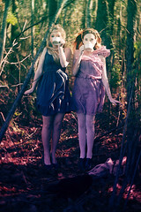 [フリー画像素材] 人物, 女性, カップ, 人物 - 二人, 人物 - 森林, アメリカ人 ID:201202150800