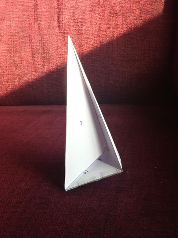 Una historieta sobre un poliedro de Császár