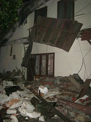 Rumah Runtuh di Indonesia