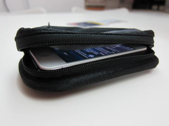 Timbuk2 Shagg Bag - Fits An iPhone 4/4S