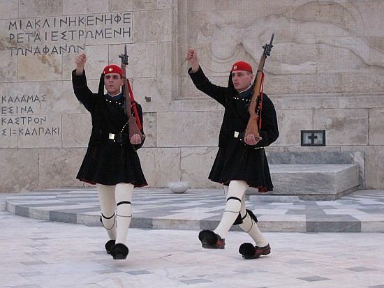 19.1234436940.greek-soldiers
