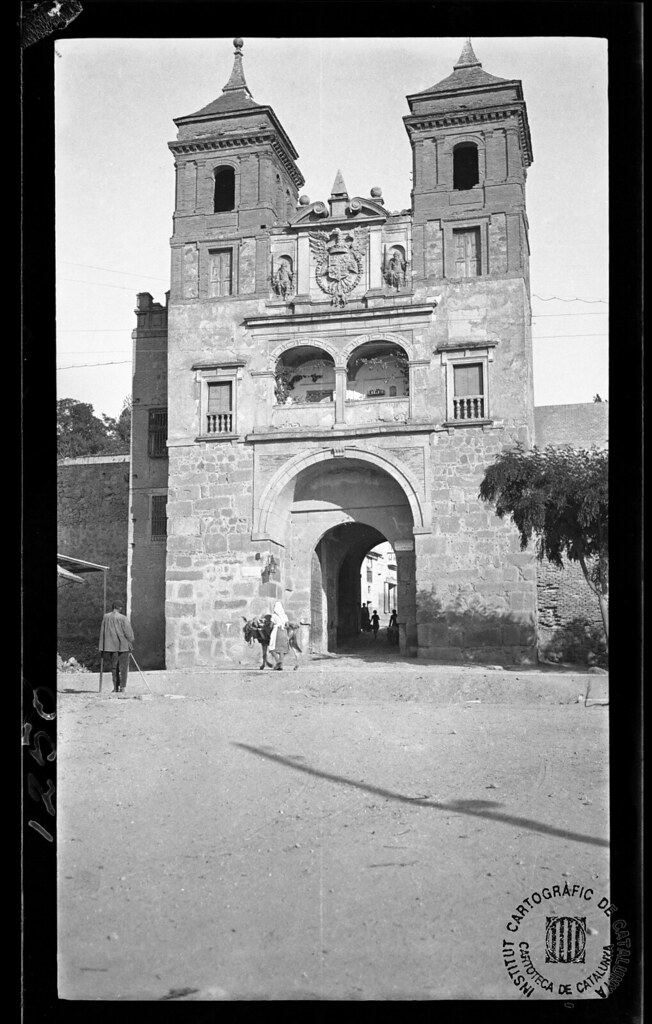 Puerta del Cambrón en 1933. Fotografía de Gonzalo de Reparaz Ruiz. © Institut Cartogràfic de Catalunya
