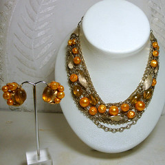 amber_pearl_necklace