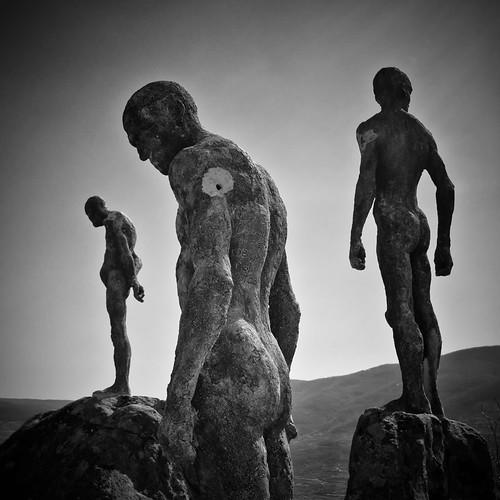 Los olvidados by Andrés Ñíguez