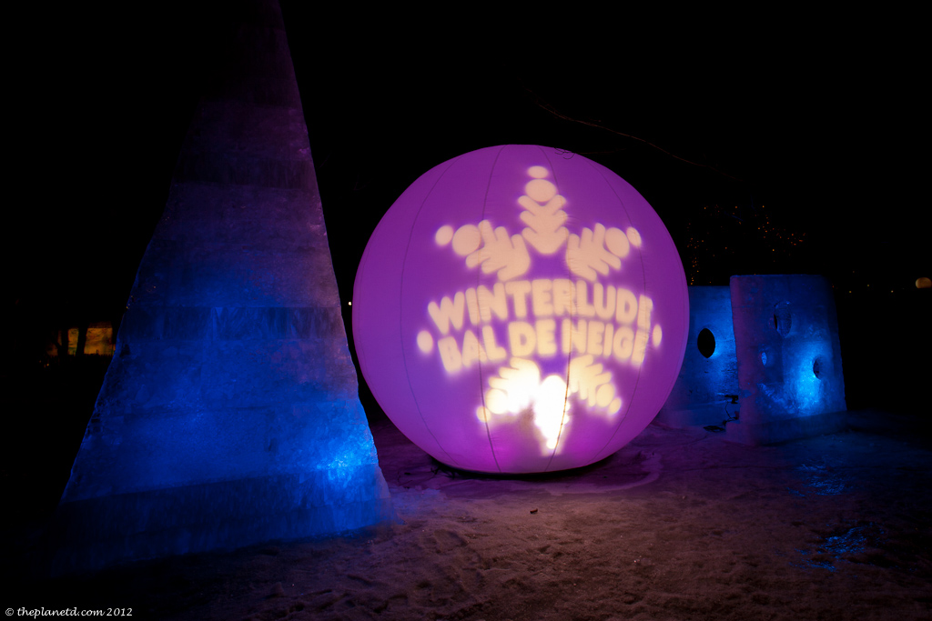 Winterlude-ice-sculpture-night
