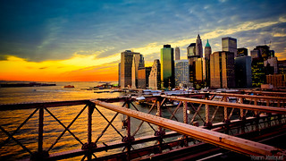 Sunset from Brooklyn Bridge, New York City (NYC, USA)... Coucher de soleil sur Manhattan du pont de Brooklyn...
