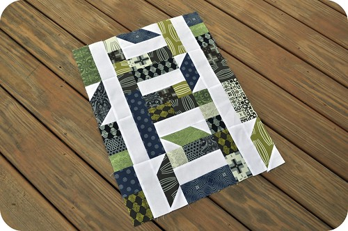 Collaborate & Commemorate | A mini quilt or signature block pattern
