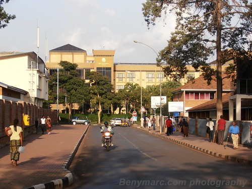 street city people hotel kigali rwanda hills serena rue ville gens mille thousands collines